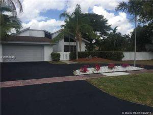 701 Mockingbird Ln. Plantation, Florida - Hometaurus