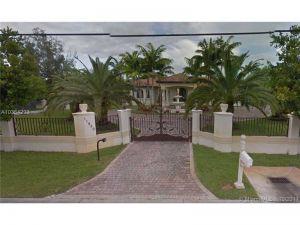 11950 SW 43rd St. Miami, Florida - Hometaurus