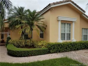 16447 SW 98th Ter. Miami, Florida - Hometaurus