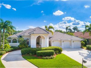 152 Dockside Cir. Weston, Florida - Hometaurus