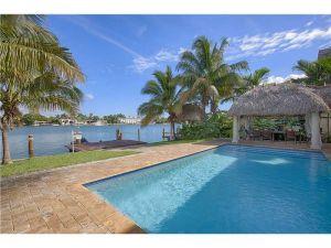 425 N Shore Dr. Miami Beach, Florida - Hometaurus