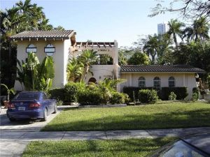 65 SW 19th Rd. Miami, Florida - Hometaurus