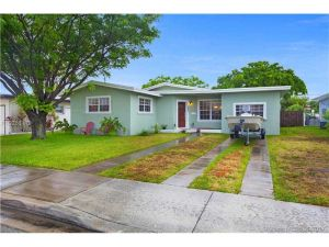 7532 Bounty Ave. North Bay Village, Florida - Hometaurus