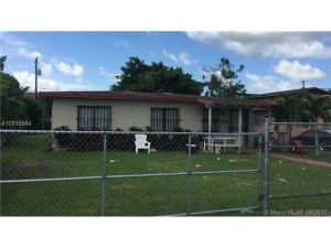 875 SW 1st St. Florida City, Florida - Hometaurus