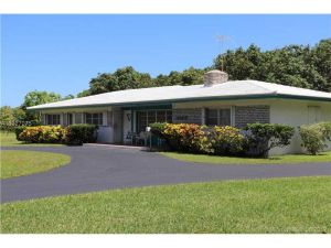 9000 SW 174th St. Palmetto Bay, Florida - Hometaurus