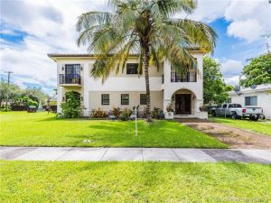 32 Hough Dr. Miami Springs, Florida - Hometaurus