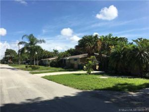 6833 SW 84th Ave. Miami, Florida - Hometaurus