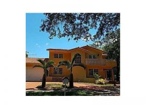16721 NW 79th Pl. Miami Lakes, Florida - Hometaurus