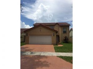 19872 NW 88th Ave. Hialeah, Florida - Hometaurus