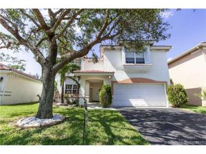 73 Gables Blvd. Weston, Florida - Hometaurus