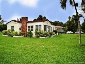 690 NE 118th St. Biscayne Park, Florida - Hometaurus