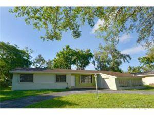 8340 SW 131 St. Pinecrest, Florida - Hometaurus