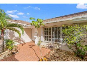 7335 SW 129th St. Pinecrest, Florida - Hometaurus