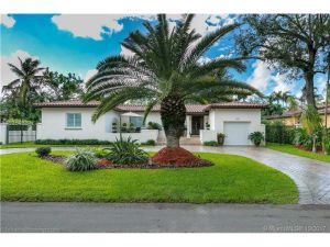 636 Palermo Ave. Coral Gables, Florida - Hometaurus