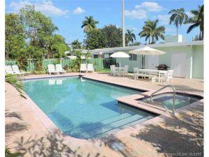 1447 Harding St. Hollywood, Florida - Hometaurus