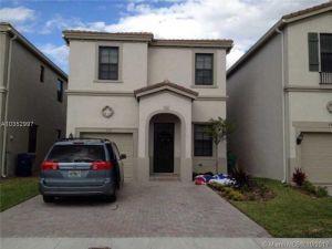 679 NE 193rd St. Miami, Florida - Hometaurus