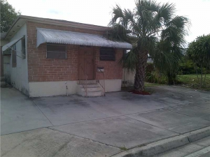 107 NW 11th St. Hallandale, Florida - Hometaurus