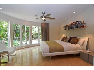 106 W 4th Ct. Miami Beach, Florida - Hometaurus