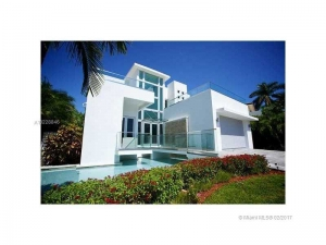 334 S Parkway. Golden Beach, Florida - Hometaurus