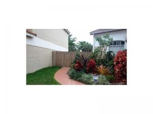 19560 NW 84th Ave. Hialeah, Florida - Hometaurus