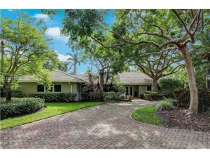 5805 SW 102nd St. Pinecrest, Florida - Hometaurus