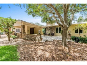 12085 SW 65 Ave. Pinecrest, Florida - Hometaurus