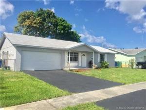 8131 NW 47th St. Lauderhill, Florida - Hometaurus