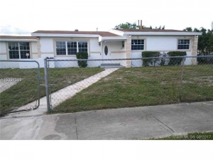1911 NW 184th St. Miami Gardens, Florida - Hometaurus