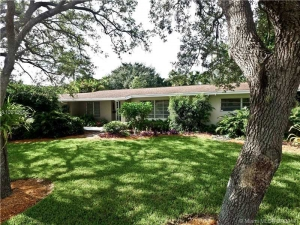 8780 SW 150th Ter. Palmetto Bay, Florida - Hometaurus
