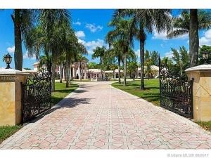 21579 Cartagena Dr. Boca Raton, Florida - Hometaurus