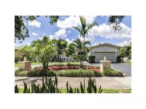1840 NE 199th St. North Miami Beach, Florida - Hometaurus