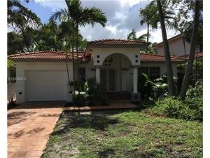 328 NE 89th St. El Portal, Florida