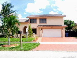 6424 NW 200th St. Hialeah, Florida - Hometaurus