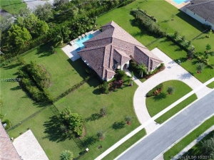 14401 Jockey Circle North. Davie, Florida - Hometaurus