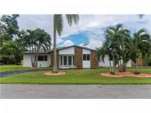 8450 SW 147th Ter. Palmetto Bay, Florida - Hometaurus