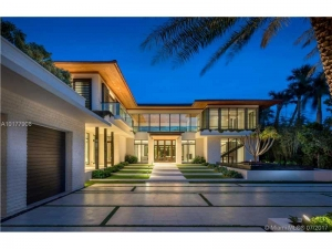 4609 Pine Tree Dr. Miami Beach, Florida - Hometaurus