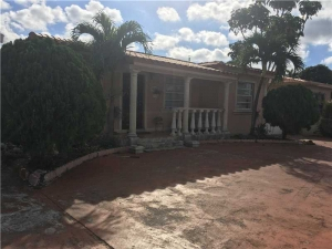 4655 E 8th Ln. Hialeah, Florida - Hometaurus