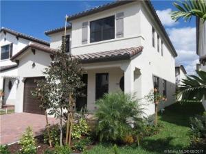3327 W 97 Terrace. Hialeah, Florida - Hometaurus