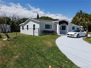 8001 Arlington Pl. West Palm Beach, Florida - Hometaurus