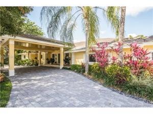 12780 SW 71st Ave. Pinecrest, Florida - Hometaurus