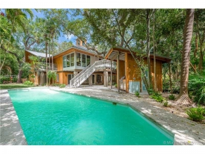3506 Main Lodge Dr. Coconut Grove, Florida - Hometaurus