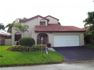 17353 NW 62nd Ct. Hialeah, Florida - Hometaurus