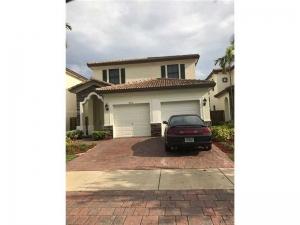 9212 SW 227th Ln. Cutler Bay, Florida - Hometaurus