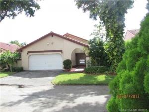 17329 NW 61 Pl. Hialeah, Florida - Hometaurus