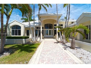 152 Ocean Blvd. Golden Beach, Florida - Hometaurus