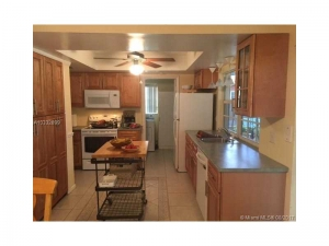 8921 NW 21 St. Pembroke Pines, Florida - Hometaurus