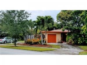 9751 Dominican Dr. Cutler Bay, Florida - Hometaurus