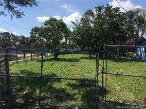 11515 SW 216th St. Miami, Florida - Hometaurus