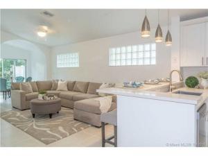 9878 Harbour Lake Circle. Boynton Beach, Florida - Hometaurus