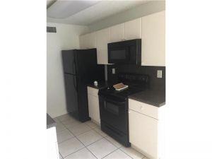 4726 NW 97 Ct #4726. Doral, Florida - Hometaurus